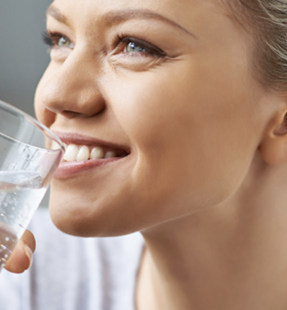 Does Sparkling Water Have an Impact on Teeth?